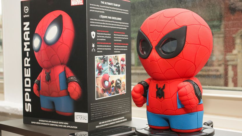 Новая игрушка Sphero - болтливый Человек-Паук