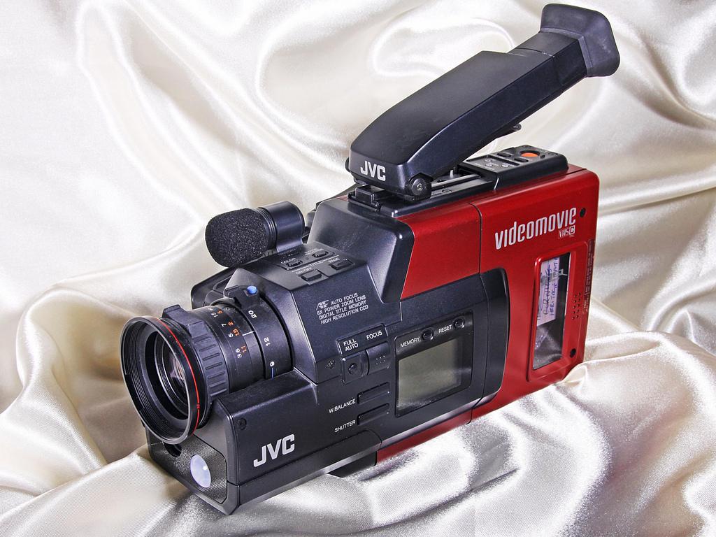 технологии второй половины 20 века: JVC VideoMovie