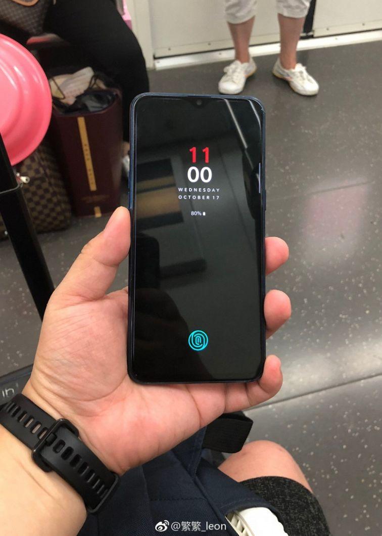 Первые живые фото OnePlus 6T