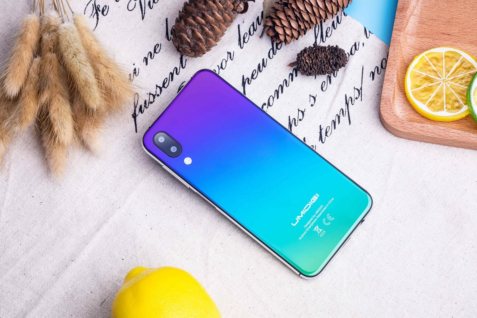 самые дешевые смартфоны с монобровью