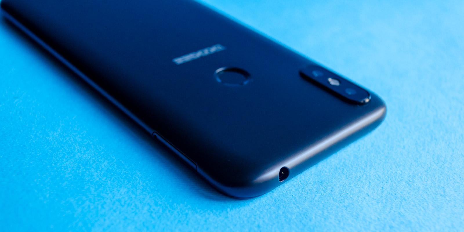 бюджетные смартфоны с каплевидным вырезом 2019