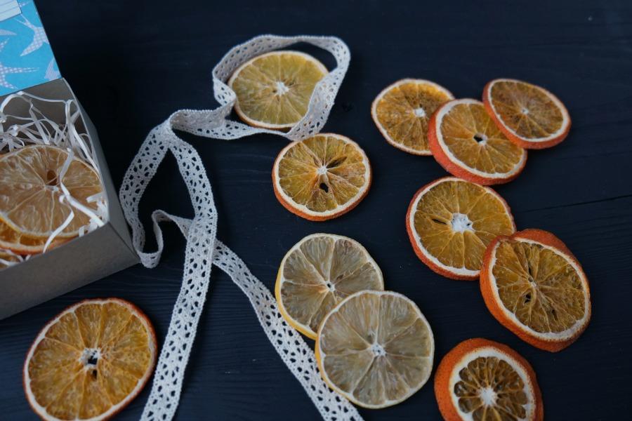 Как сделать украшения из цитрусовых на Новый год