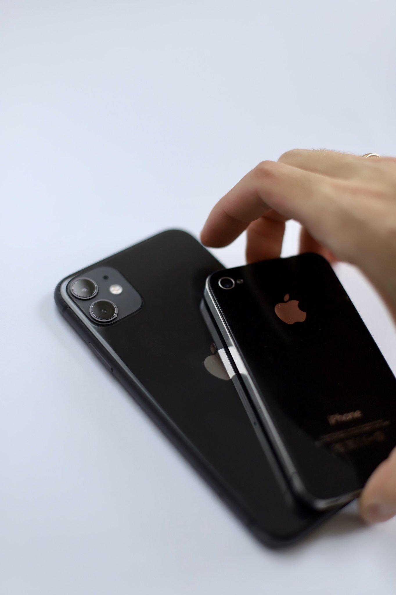 iPhone 11 и iPhone 4