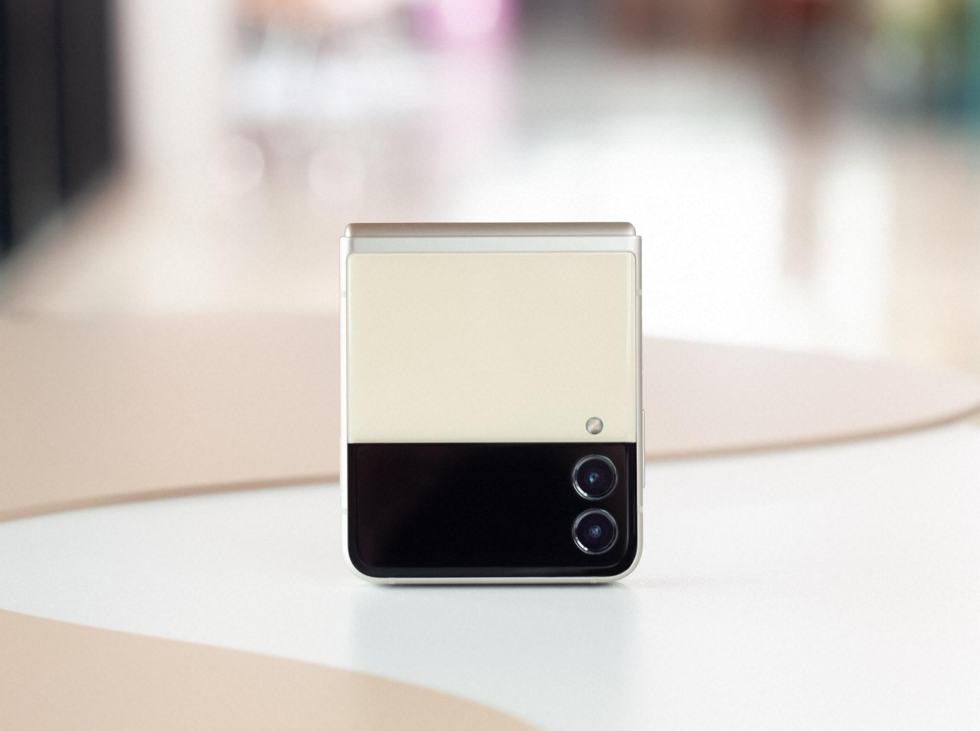 телефон раскладушка с гибким экраном 2021