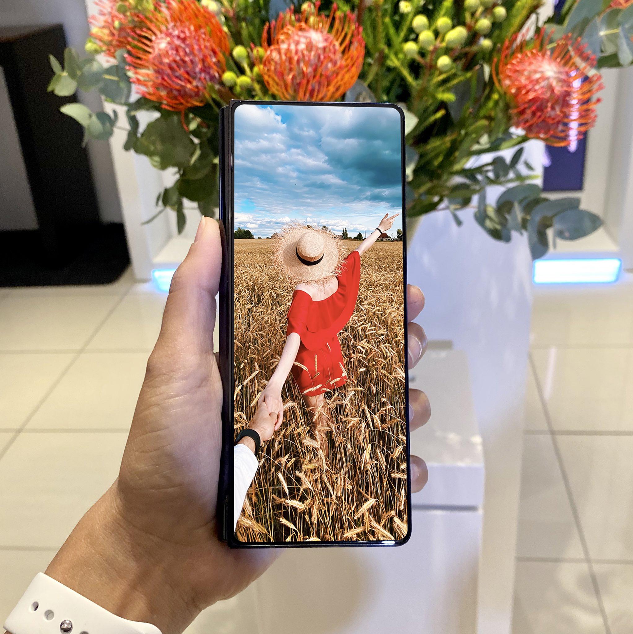 samsung складной смартфон с гибким экраном 2021